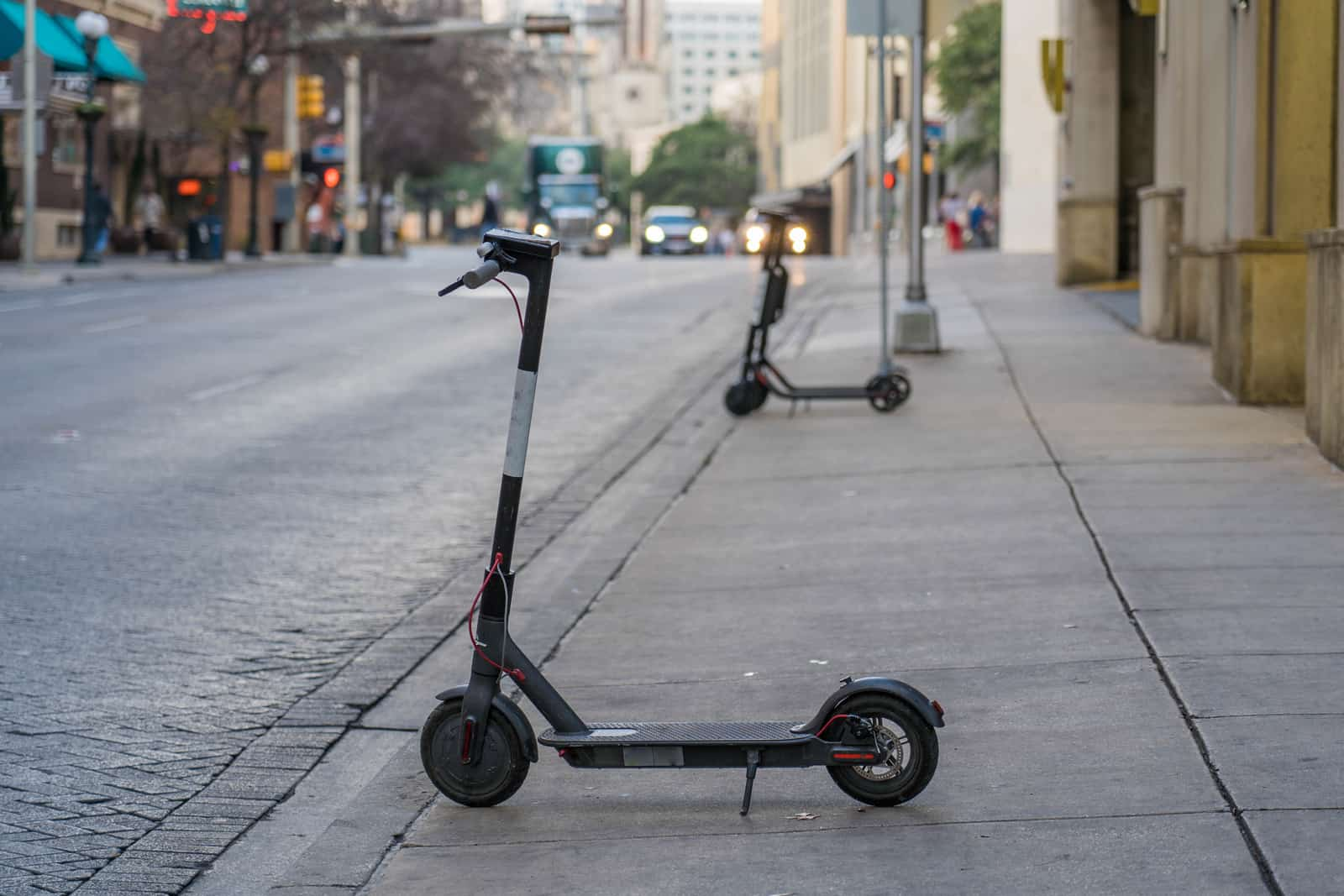 Best Electric Scooters For Climbing Hills 1