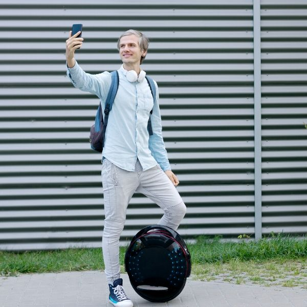 How Fast Does Electric Unicycle Go? Fastest Electric Unicycles 6
