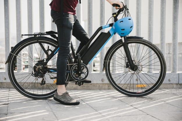 What Is The Difference Between E-bikes And E-Scooters