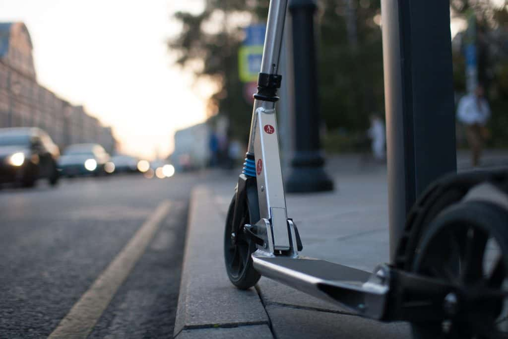 5 Things to Consider When Choosing an Electric Scooter 2